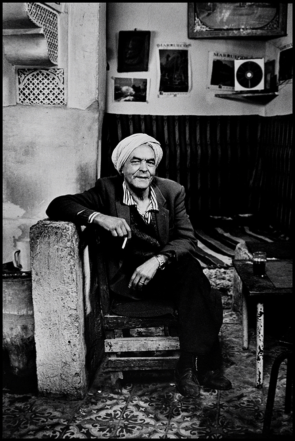 Ba'Driss dans son café, Médina, Fès 1998
